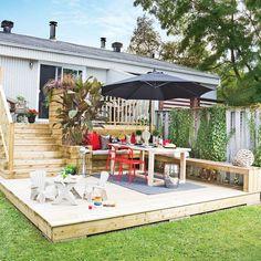 Patio à deux niveaux – Je Jardine - Terrasse Ideen Wood Patio, Concrete Patio, Pergola Patio, Diy Patio, Gazebo, Patio Stone, Patio Awnings, Patio Fence, Patio Table