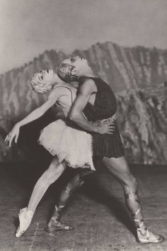 Alexandra Danilova and Serge Lifar in Apollon Musagète Photograph (unknown photographer) Library of Congress, Music Division, Washington, D. Apollon Musagète (Apollo, Leader of the. Dance Photography, Vintage Photography, Monte Carlo, Ballet Beau, Ballet Art, Dance Ballet, Ballet Posters, Vintage Ballet, Vintage Dance
