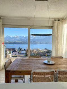 7.5-Zimmerhaus mit fantastischer Seesicht zu verkaufen.