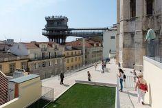 Bom dia Lisboa. Terraços do Carmo e Elevador de Santa Luzia Fotografia: Nuno…