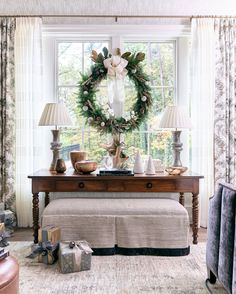 Atlanta Home for the Holidays Showhouse Atlanta Homes & Lifestyles Home for the Holidays showhouse with traditional Christmas decor by Jessica Bradley on Thou Swell Swell may refer to: French Country Christmas, Southern Christmas, Summer Christmas, Christmas Kitchen, Merry Christmas, Dragonfly Decor, Atlanta Homes, Soothing Colors, Nursery Wall Decor