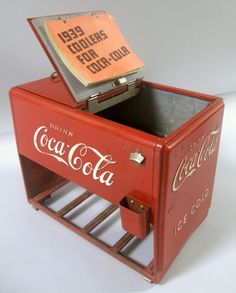 The Lynn family's collection of Coca-Cola antiques and memorabilia is a rare find. Featuring Coca-Cola advertising, signage, vending machines, and more, these Coke Machine, Vending Machine, Vintage Cooler, Coca Cola Cooler, Coca Cola Decor, Coca Cola Bottles, 35th Birthday, Dr Pepper, Vintage Design