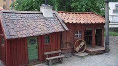 Krogen Sista Styvern till vänster och vagnmakaren Löfgrens hus till höger