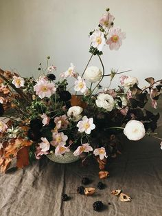 Autumn Floral Trends – The Lane Deco Floral, Arte Floral, Floral Design, Floral Style, Ikebana, Floral Centerpieces, Wedding Centerpieces, Wedding Bouquets, Gardens