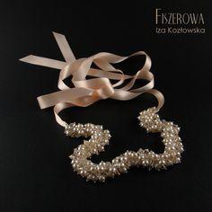 Multicristal - pastel wedding. Pastelowy, ślubny naszyjnik wykonany z 250 pereł i kryształów Swarovskiego zawieszonych na szyfonowej wstążce. Pod wpływem ruchu i światła naszyjnik przepięknie się mieni.  Długość kryształowej części naszyjnika: 30 cm. Długość wstążki: 2 x 80 cm. Crown, Wedding, Jewelry, Fashion, Casamento, Jewellery Making, Moda, Corona, Hochzeit