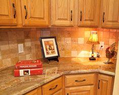 Tumbled Travertine and Creme Bordeaux Granite Brown Granite Countertops, Kitchen Cabinets And Countertops, Granite Backsplash, Granite Kitchen, Backsplash Ideas, Kitchen Flooring, Kitchen Cabinet Remodel, Kitchen Redo, Kitchen Design