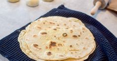 Å lage hvetetortillas selv er enkelt og belønningen stor. Pesto, Nom Nom, Recipies, Tacos, Food And Drink, Favorite Recipes, Baking, Breakfast, Ethnic Recipes