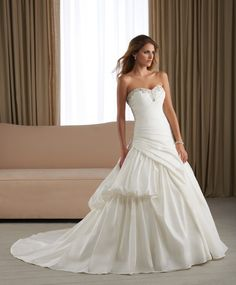 Stylish Sweetheart Wedding Gown with Beaded Neckline A-line Chapel Train