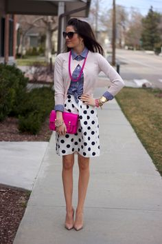 I love her blog. She dresses in a classic style which I find so much like my own.