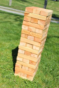 East Plum: Giant Jenga with Easy Storage Box & Printable Rules, wood sizes also Diy Storage Tower, Easy Storage, Jenga Game, Jenga Diy, Giant Yard Games, Aussie Bbq, Giant Jenga, Got Wood, Bbq Party