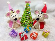 Santa Mouse and Mrs. Mouse celebrate Christmas - Corchet Pattern english