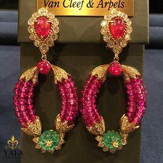 Astonishingly beautiful colors, rubies, emeralds and diamonds, in these #VCA vintage earrings. ⚜️⚜️ ⚜️❤️⚜️ #vancleef #yafasignedjewels