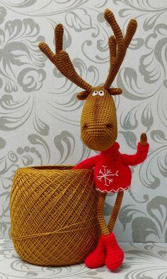 Christmas Crochet Patterns, Crochet Toys Patterns, Stuffed Toys Patterns, Crochet Christmas, Homemade Christmas Tree, Diy Christmas Ornaments, Crochet Deer, Knit Or Crochet, Deer Pattern