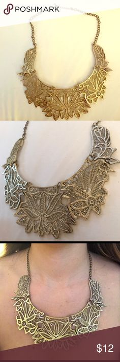 Gold Necklace! Awesome design to spice up any outfit! Jewelry Necklaces