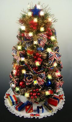 Best Decorated Christmas Trees | Decorated Patriotic Tabletop Mini Christmas Tree - Red White Blue and ...