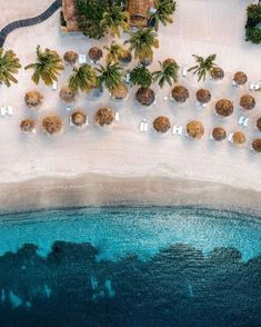 👣 Sitting under the shade in sunny paradise sounds good right now. 📷 @alsenioespinal 📍Sugar Beach, A Viceroy Resort #SaintLucia #LetHerInspireYou