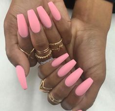 I love these nails and the color ♡♡