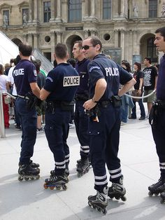 Roller-Blades Paris - then first time I saw this in Paris I was in shock than I realize that it was awesome and also make their culture