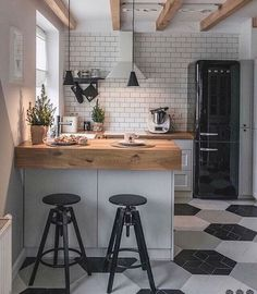 90 beautiful little kitchen design ideas - each of us has different needs ., 90 beautiful little kitchen design ideas - each of us has different needs and material options, but different tastes and homes. Some of us live in sma. Home Decor Kitchen, Diy Kitchen, Home Kitchens, Kitchen Cabinets, Cupboards, Awesome Kitchen, Dream Kitchens, Smeg Kitchen, Smeg Fridge