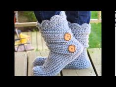 ▶ Womans Slipper Boots Crochet Pattern, Classic Snow Boots - YouTube