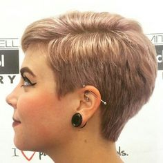 30 New Very Short Haircuts for Women - Short Pixie Haircuts Super Short Hair, Short Grey Hair, Short Hair Cuts For Women, Short Hairstyles For Women, Short Hair Styles, Rose Blonde Hair, Very Short Haircuts, Haircut Short, Pixie Haircut Styles