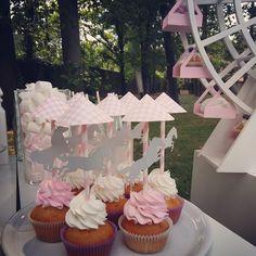 Pink birthday cupcakes!