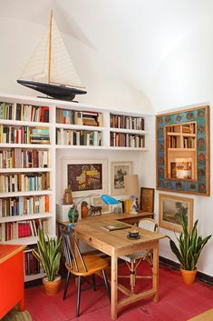 An interior design collection in which we have showcased 16 Jaw-Dropping Mediterranean Home Office Designs That Will Inspire You. Home Office Design, Home Office Decor, House Design, Office Ideas, Office Setup, Men Office, Front Office, Office Designs, Office Table