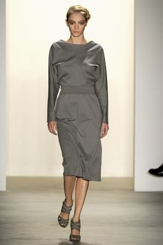 Costello Tagliapietra Spring 2011 Ready-to-Wear Fashion Show - Veronika Antsipava