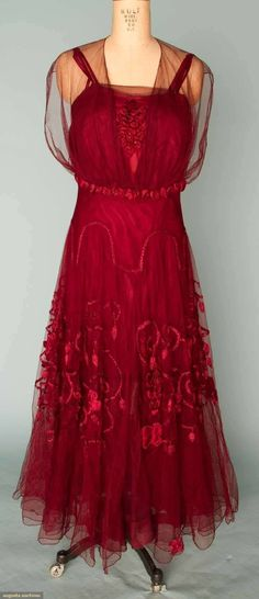 Embroidered Garnet Silk Evening Gown, C. 1915 This looks like something to wear on Naboo