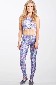 9bbf7fd186 Made with high performance Polyester Spandex blend fabric - Moisture  wicking and quick drying