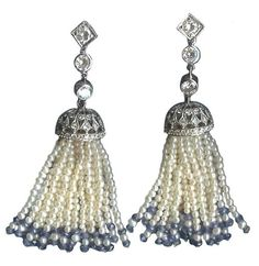 Art Deco Platinum, Pearl, Diamond and Sapphire Tassel Earrings at . 1920s Jewelry, India Jewelry, Art Deco Jewelry, Antique Jewelry, Vintage Jewelry, Nice Jewelry, Jewelry Ideas, Tassel Jewelry, Bohemian Jewelry