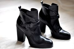 Actually found these boots in my Zara today. Was sooo excited! But they only had size 38 sadface.