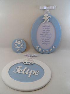 Kit Azul para meninos. Quadro Oração Santo Anjo P, Quadro maternidade P e Cabide. http://ciadasartes.divitae.com.br http://www.elo7.com.br/cdasartes www.ciaartes.com.br