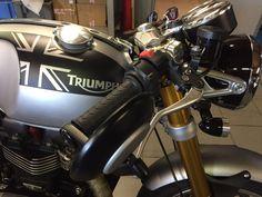 Triumph thruxton R effet Alu et noire Matt