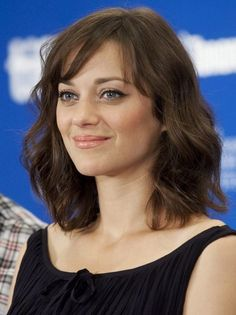 Great mid length hair. And if I could look like Marion Cotillard, that would be cool too!