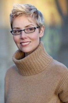 Korte kapsels 2017 dames met bril