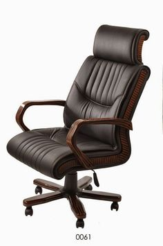 Black Office Chair, Office Chairs, Desk Chairs, Coffee Table With Chairs, Cool Office, Office Ideas, Executive Chair, Chair Design, Luxury