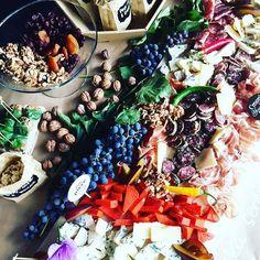 Nasz ostatnio zorganizowany Event i  deska serów i wędlin ..., podoba sie Wam ??? 😊 #newevent #deskaserow #deskawedlin #nakryciestolow #foodporn #foodlover #organizacjaimprez #newplaceintown