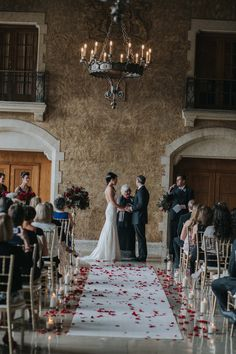 The best of Banff Wedding Venue's The Fairmont Banff Springs Banff Wedding Photographer Best Of Banff, Fairmont Banff Springs, Wedding Venues, Table Decorations, Wedding Places, Wedding Locations, Dinner Table Decorations, Center Pieces