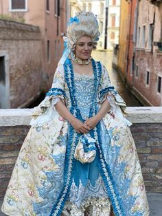 Blue Costumes, Carnival Costumes, Cool Costumes, Rococo Fashion, French Fashion, Rococo Dress, Historical Costume, Lolita Dress, Vintage Outfits