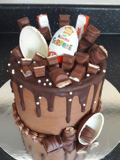 Brithday Cake, 21st Birthday Cakes, Bolo Tumblr, Delicious Desserts, Dessert Recipes, Chocolate Drip Cake, Birthday Cake Decorating, Dessert Decoration, Drip Cakes