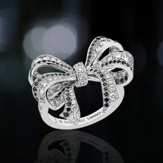 Luxry Chanel Ring Diamond Wedding ♥ Cute Diamond Ring...Would also be nice in Sapphire Blue
