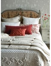 The Perfect Cottage Vintage Bed;The modern wallpaper keeps this room from feeling dowdy- brilliant. Home Bedroom, Master Bedroom, Bedroom Decor, Shabby Bedroom, Shabby Chic Cottage, Cottage Style, Bedroom Ideas, Cama Vintage, French Country House