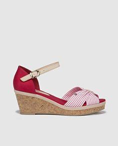 Los zapatos rojos vuelven a estar de moda: fotos de los modelos - Sandalias  de · Zapatillas Peep ToeTommy HilfigerRed ...