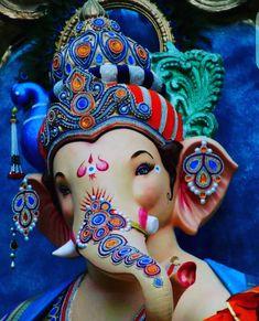 If you want to fulfil all desires, amass wealth and remove doshas, choose 32 forms of Ganesha Homam. The God of Wisdom is sure to protect and remove obstacles. Jai Ganesh, Ganesh Lord, Ganesh Idol, Ganesha Art, Ganpati Bappa Photo, Ganpati Picture, Ganpati Photo Hd, Shree Krishna Wallpapers, Shiva Lord Wallpapers