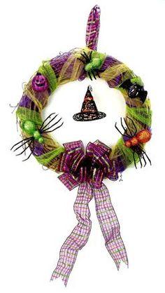 Nicole™ Crafts Spooky Halloween Wreath #halloween #craft