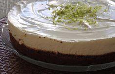 Esta é uma sobremesa deliciosamente simples, onde predomina a frescura da lima