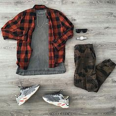 Camo Outfits, Retro Outfits, Stylish Mens Outfits, Casual Outfits, Mens Fashion Wear, Fashion Outfits, Street Outfit, Street Wear, Yeezy Outfit