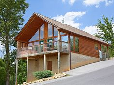 Take Me Away - This cozy honeymoon-style cabin is ideally located just 5 minutes ride down the street from Dollywood and Pigeon Forge! http://www.cabinfevervacations.com/cabin-detail/?cid=92