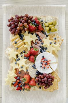 of July Roundup - Fashionable Hostess Plateau Charcuterie, Charcuterie And Cheese Board, Charcuterie Platter, Cheese Boards, Fourth Of July Food, 4th Of July Party, July 4th, Patriotic Party, Best Cheese Platter